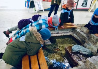 Odwiedziny małych akwarystów w sklepie zoologicznym ZooNemo Legionowo Błękitne Centrum (1)