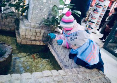 Odwiedziny małych akwarystów w sklepie zoologicznym ZooNemo Legionowo Błękitne Centrum (4)